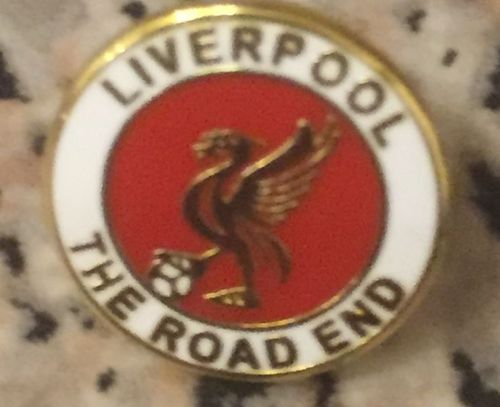 The Road End Badge(Red Centre)